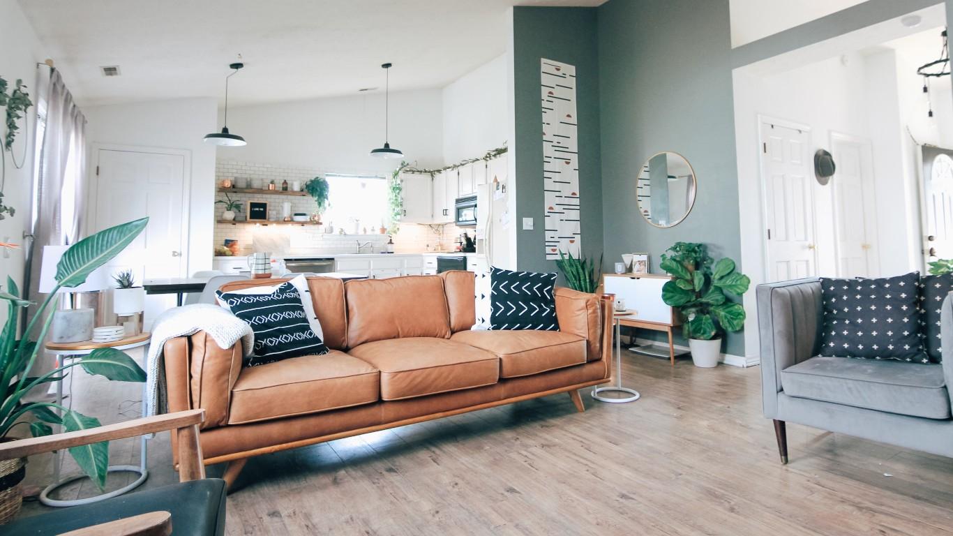 Salon avec canapés